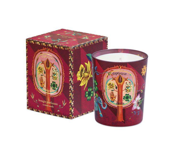 diptyque 2019耶誕限量蠟燭「花開鴻運」,70g售價1,350元、19...