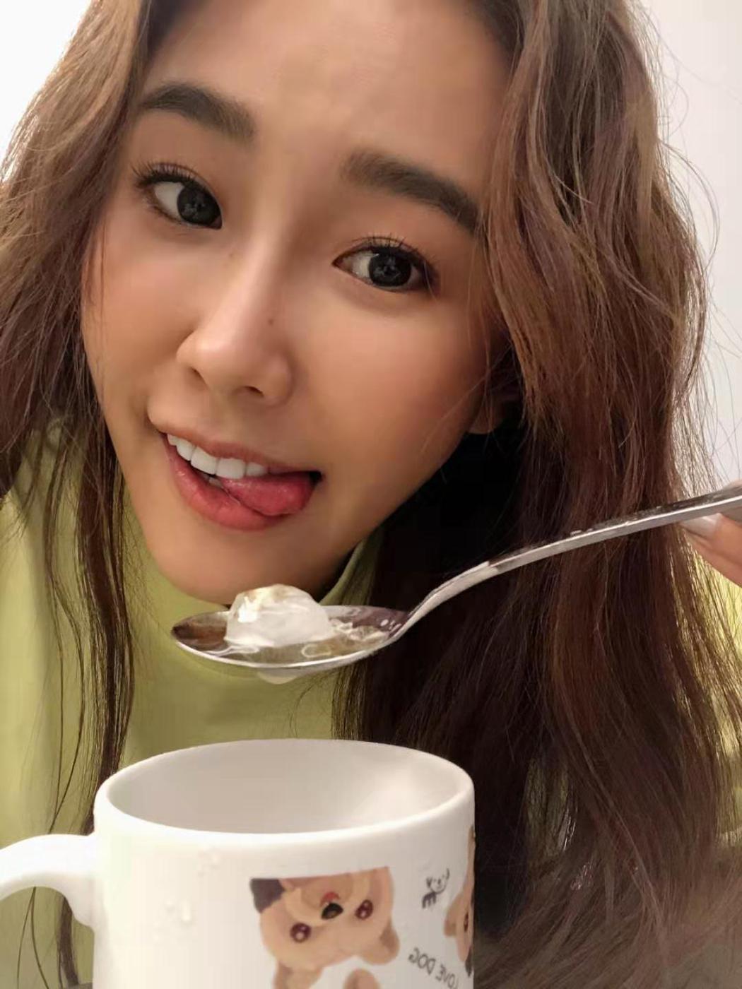 黃心娣正在拍攝電影「女優,摔吧!」。圖/周子娛樂提供