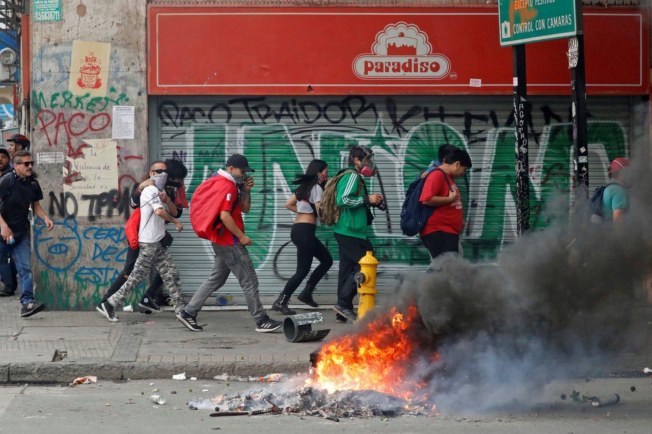 聖地牙哥發生一波波抗議潮。 路透
