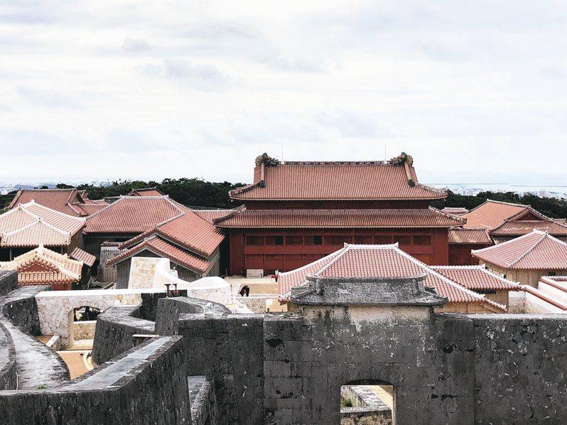 沖繩首里城是觀光勝地。 記者曹悅華/攝影