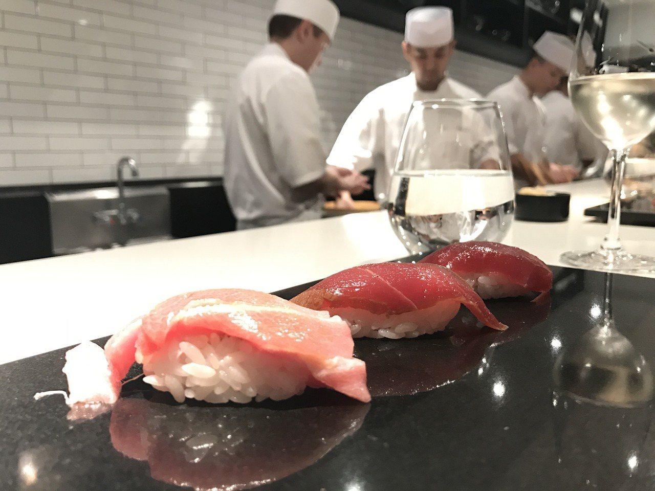 不少台灣人到日本旅遊時,會去朝聖當地的料理店,一不小心觸犯3種禁忌卻不自知。圖取...