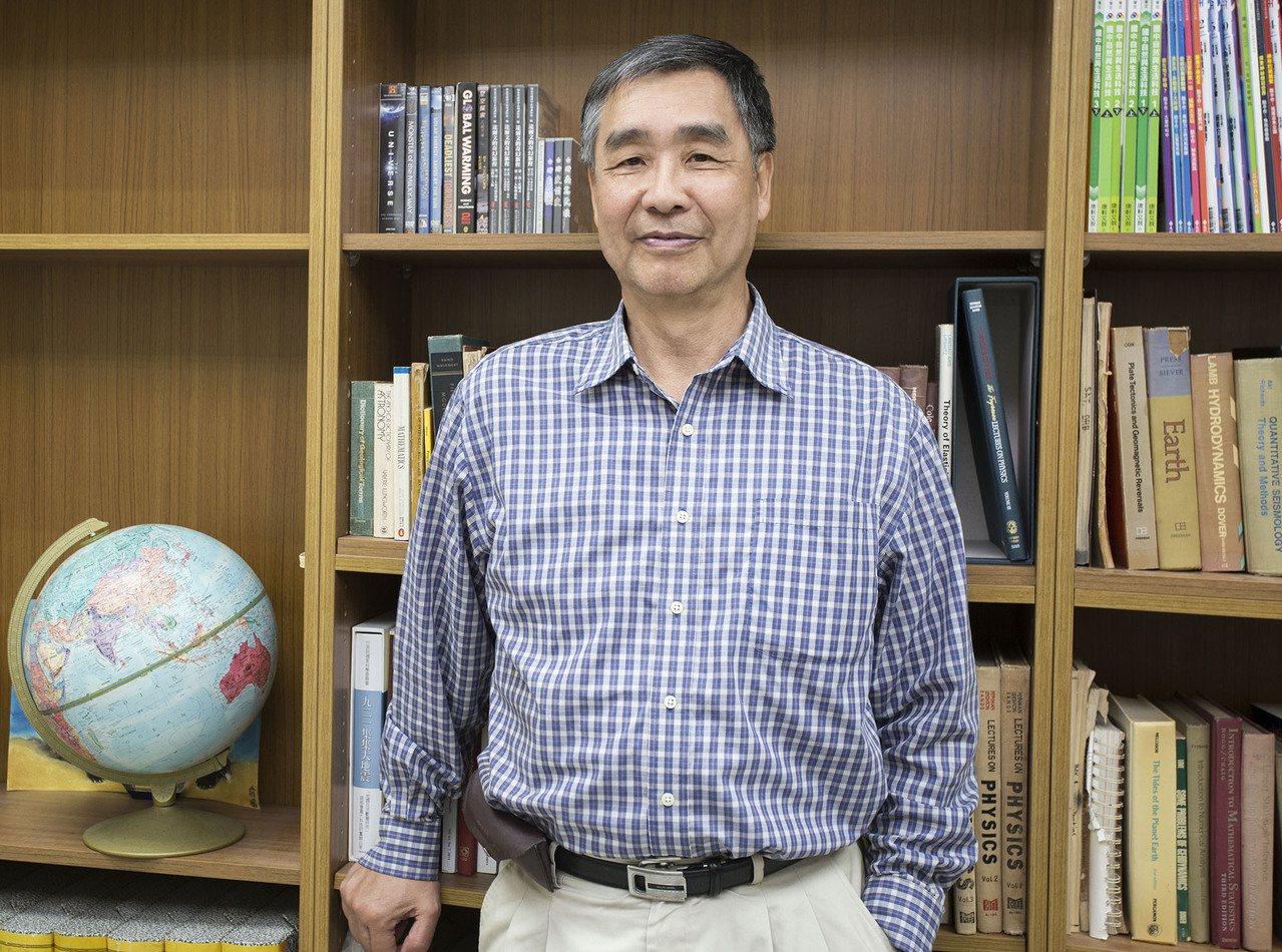 趙丰,曾任美國國家暨太空總署 (NASA) 太空測地學實驗室主任,2006 年離...