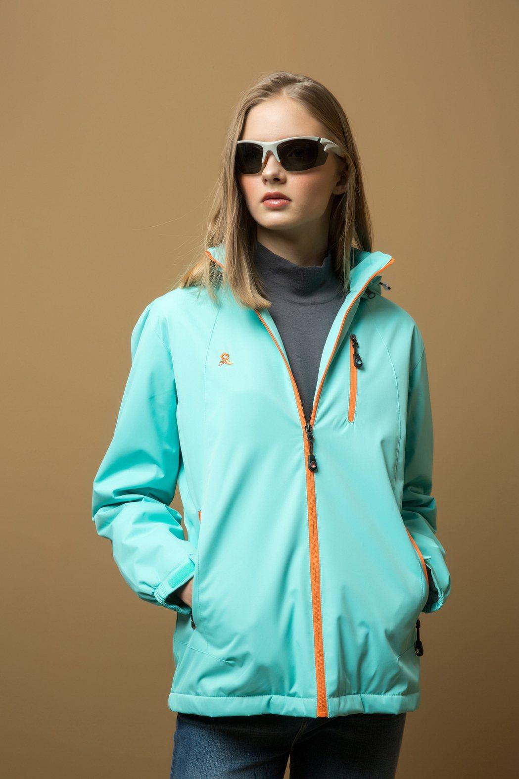 MONTAGUT女款運動機能外套,特價1,500元。 MONTAGUT /提供