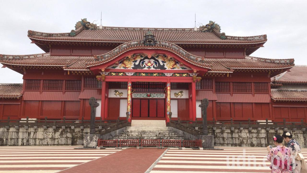沖繩首里城是觀光勝地,圖為日前所攝。記者曹悅華/攝影