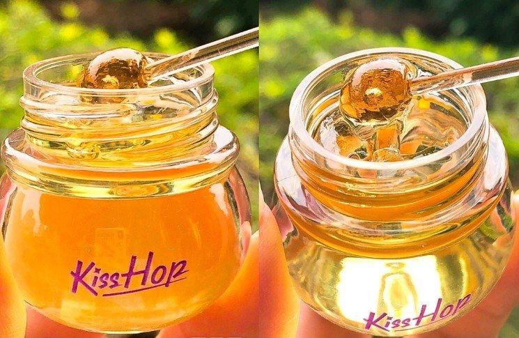 「維尼蜂蜜罐修護唇膏」宛如小熊維尼蜂蜜罐,外型可愛吸睛。圖/取自小紅書