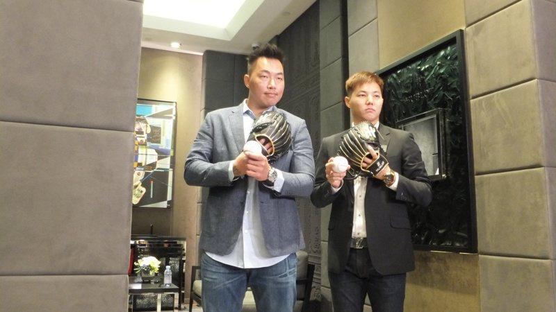 郭俊麟(左)今天和前輩郭泓志一起出席活動,兩人充滿活力。記者藍宗標/攝影