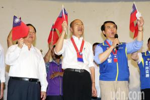 影/韓國瑜訪眷村 痛批民進黨執政