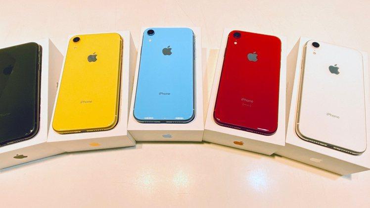 STUDIO A 將於11月1日於全台9間門市推出Apple福利品超值特賣會。圖...