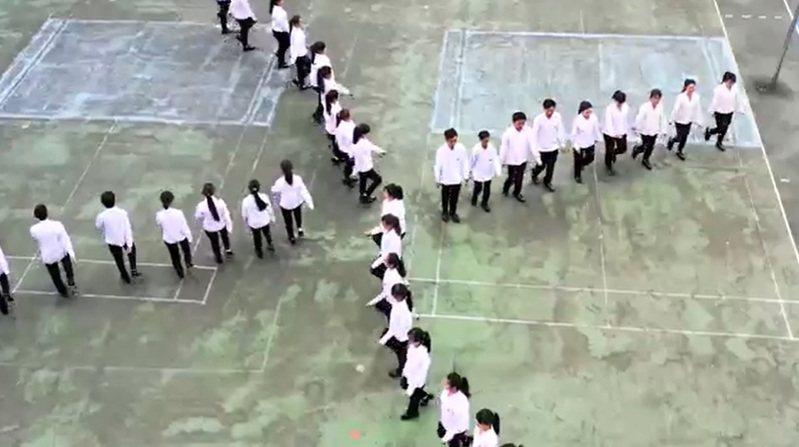 國防部後天(11月2日)將在台北市大佳河濱公園舉行108年全國高級中等學校「創意愛國歌曲競賽」,由北、中、南八所高中職齊聚台北爭取冠軍。翻攝國防部影片