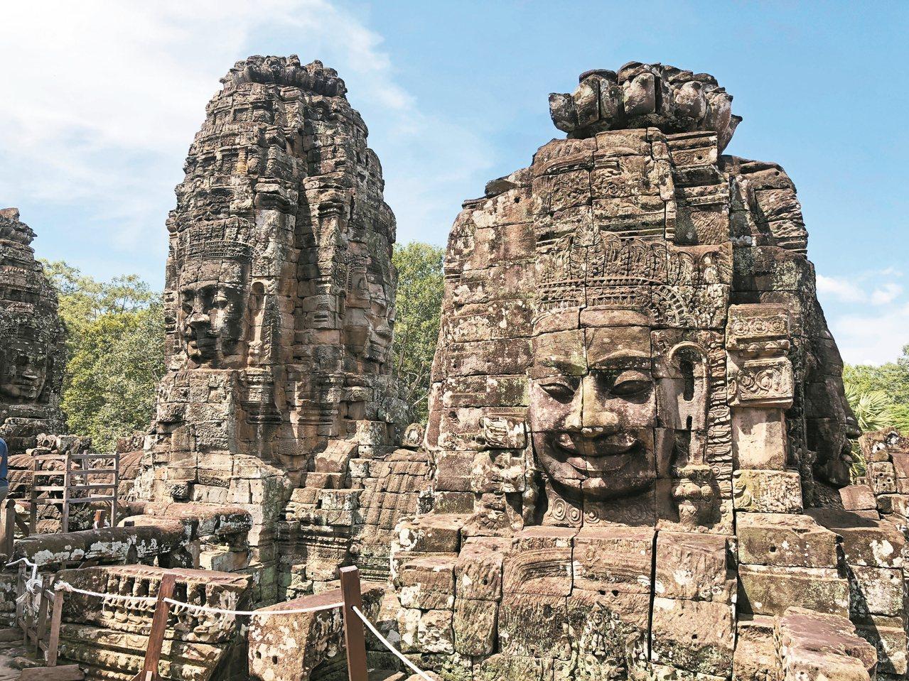 巴揚寺有「高棉的微笑」,旺季時幾乎不可能靠近。 記者袁世珮/攝影