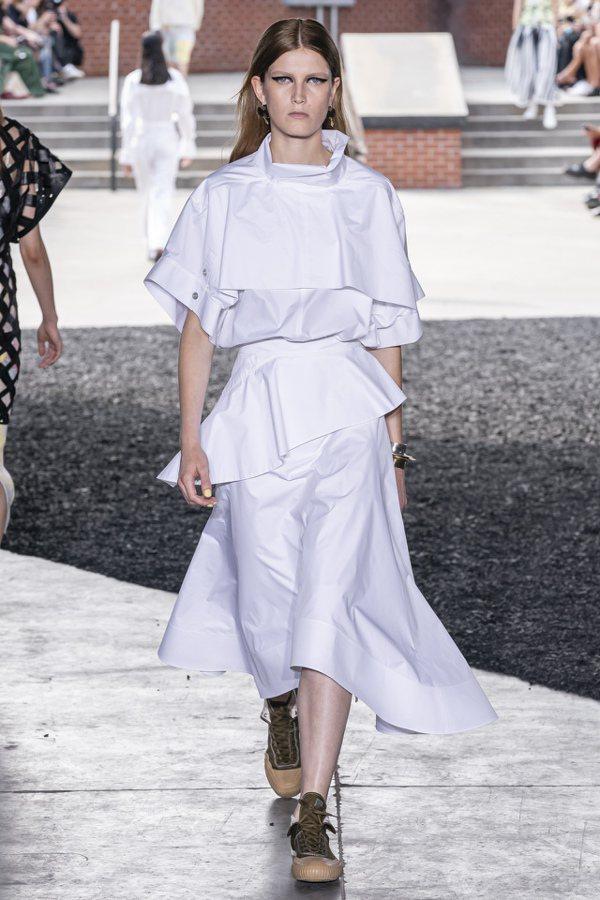 3.1 Phillip Lim打造純白優雅裙裝。圖/3.1 Phillip Li...