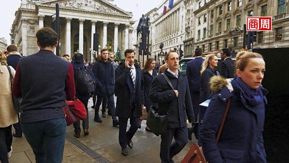 根據麥肯錫報告,零工經濟翻轉勞動市場,影響遍及各行各業,就連高端金融服務也出現外包趨勢。圖為倫敦金融街。(攝影者.駱裕隆)