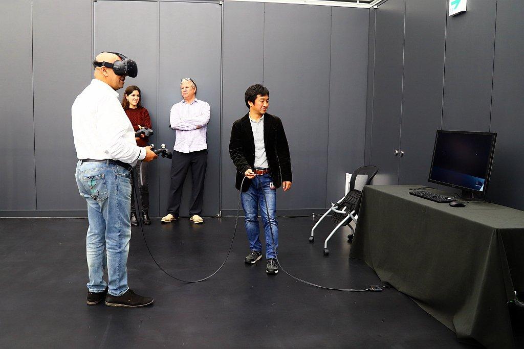 再利用VR虛擬實境模擬各種環境、光線與場地之下,查看車身每個角度變化,讓量產車能...