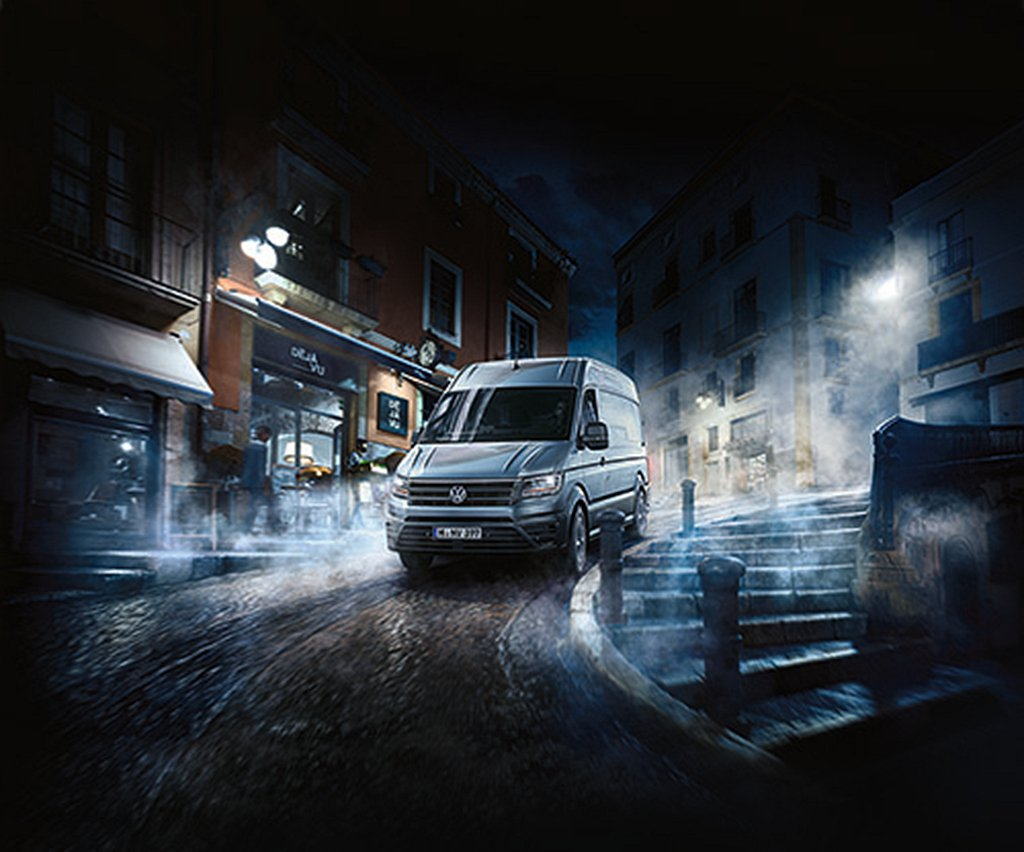 福斯商旅Crafter Van,同時引進中軸高頂與長軸高頂兩種車型,搭配符合歐盟...