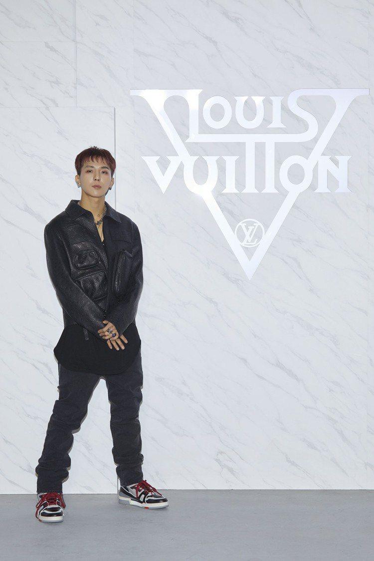 Mino宋旻浩出席首爾2020早春大秀。圖/LV提供