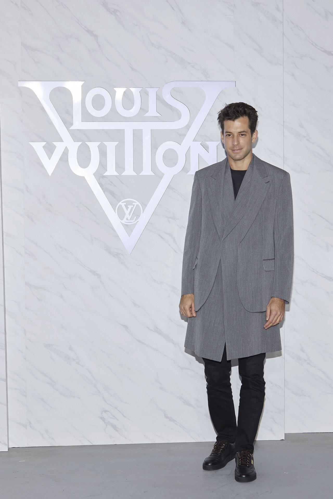知名音樂製作人Mark Ronson是2020早春秀後的表演DJ。圖/LV提供