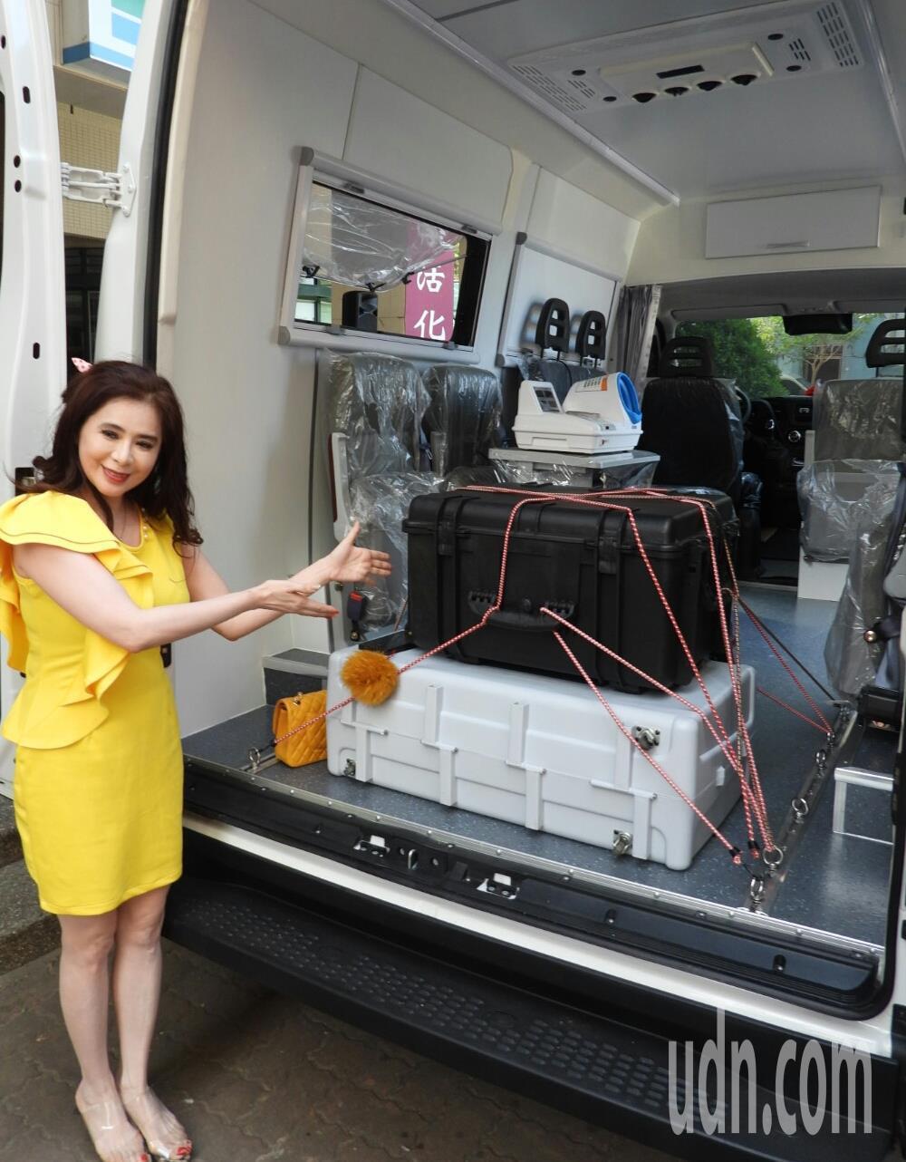 巡迴車上可以配置各項健檢器材。 記者周宗禎/攝影