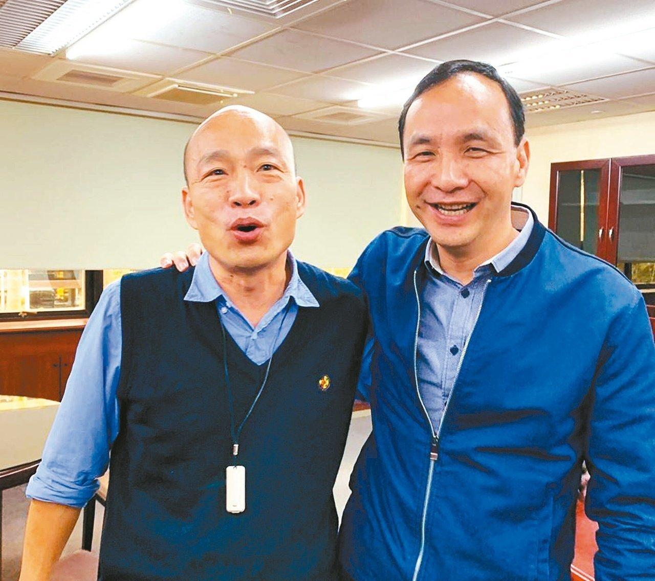 國民黨總統參選人韓國瑜(左)與新北市前市長朱立倫(右)。圖/本報資料照片