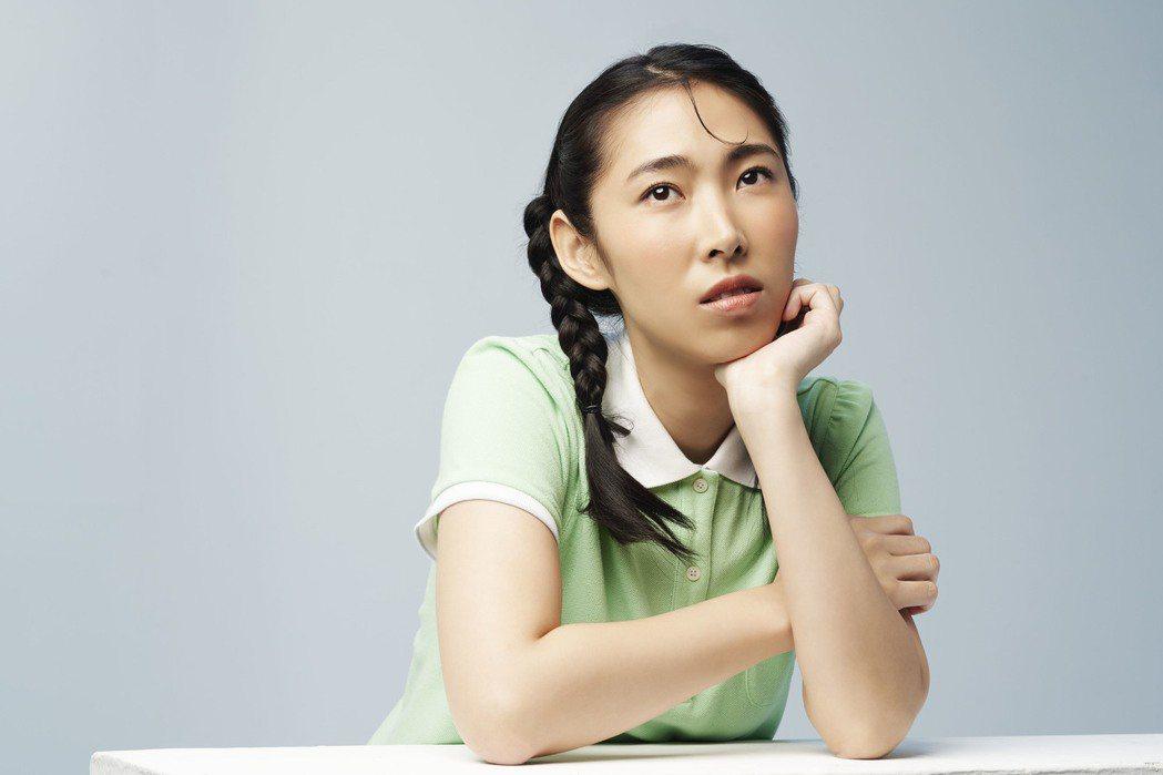 王若琳推出全新翻唱專輯,挑戰中、粵、日語三聲道。圖/索尼提供