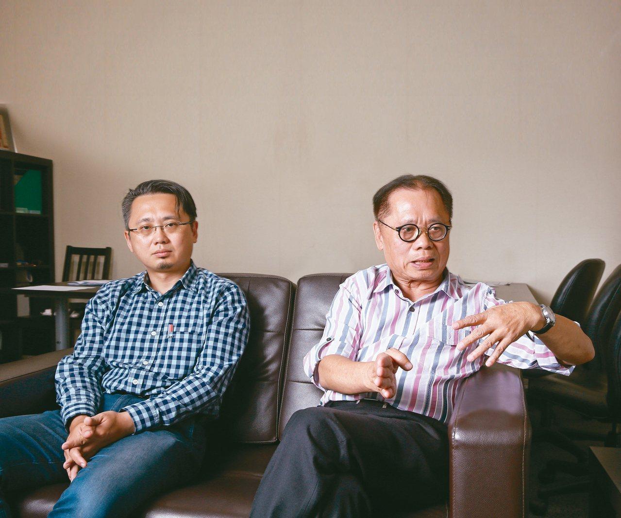 戴勝通(右)、戴東華是父子、也是夥伴,共同經歷生意失敗低潮,父子再次攜手,一起走...