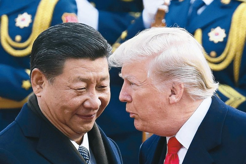 美國總統川普(右)1日表示,可能在愛阿華州與中國大陸主席習近平會談。 美聯社