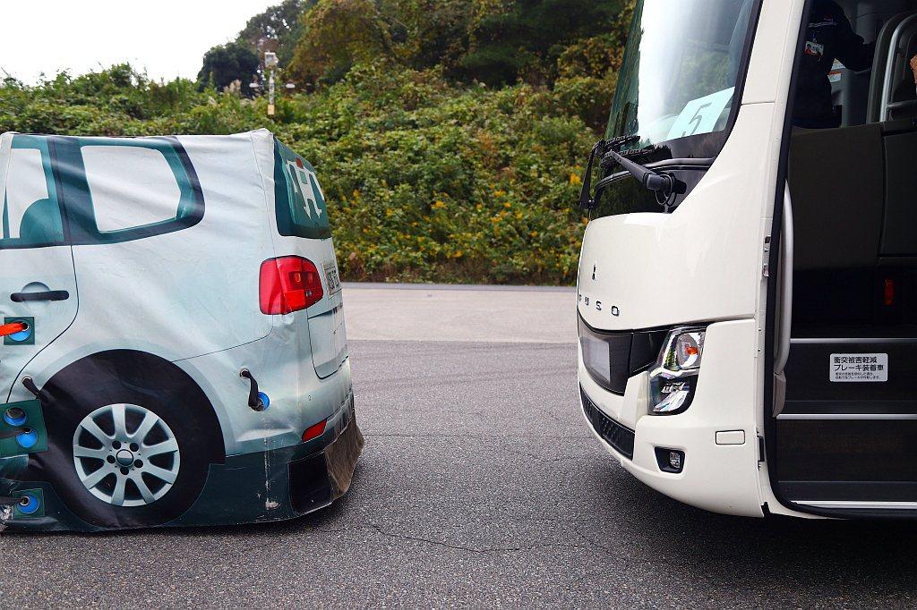 ABA主動式煞車輔助系統仍只是輔助,駕駛員不能過度依賴。 記者張振群/攝影