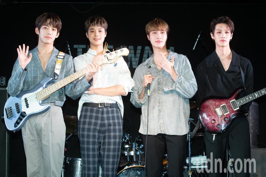 韓國新星樂團 IZ 今天舉辦媒體見面會。記者季相儒/攝影