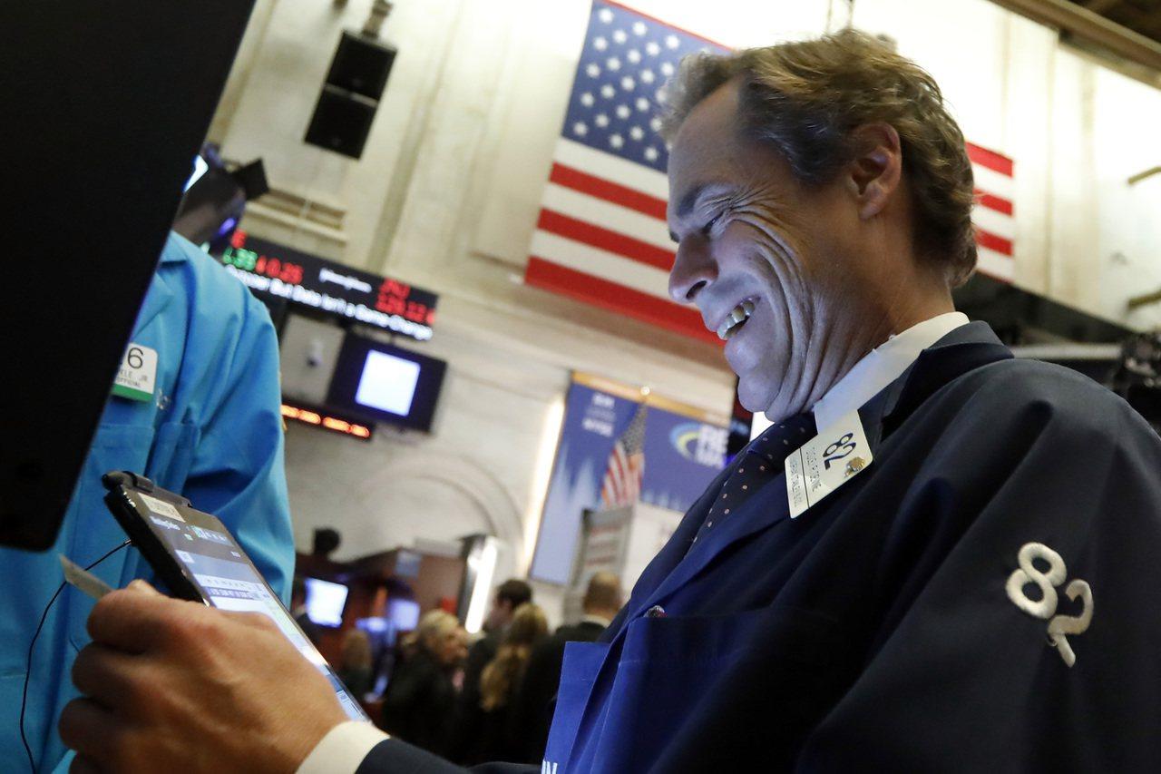 美股本周收高,下周可望繼續上揚。 美聯社