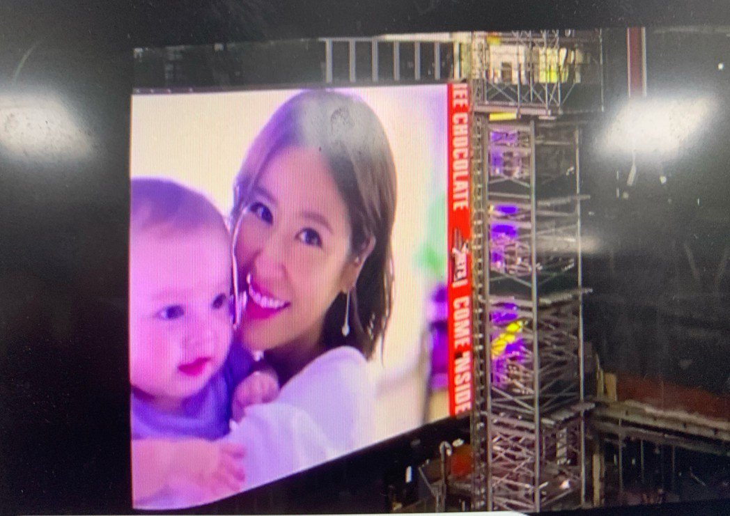 林心如的新廣告登上紐約時代廣場。圖/摘自臉書