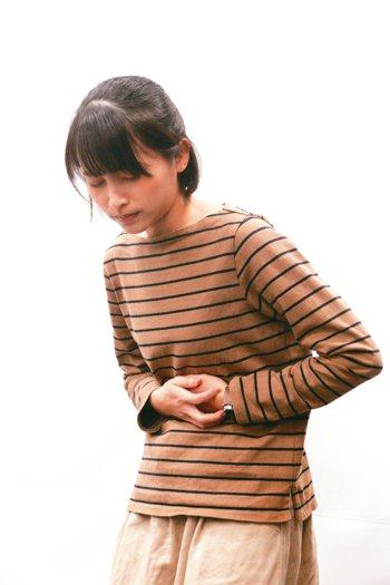 即使沒有任何症狀,年過40歲也應作胃鏡與胃幽門桿菌檢查,以確認胃部健康情形。 記...