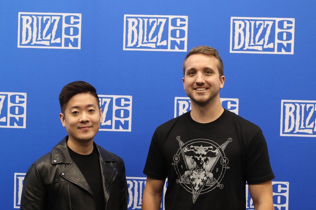 首席系統設計師David Kim(左)與首席視覺特效設計Daniel Brigg...