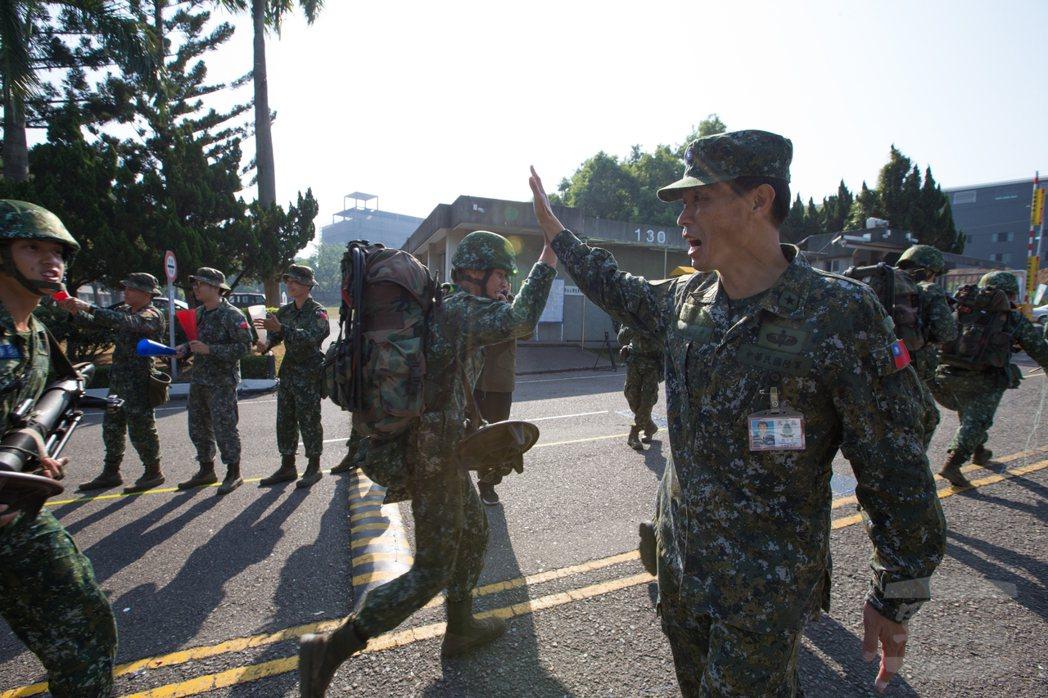 剛由陸軍特指部調任國防大學的張宗才少將,畢業於威爾猛軍校,並且是國軍現役七位通過...