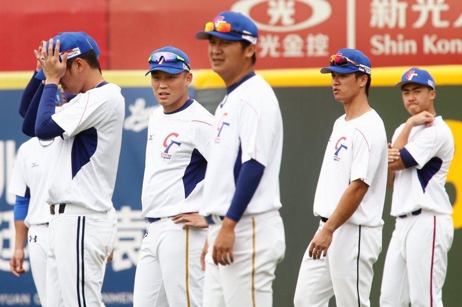 中華隊明天正式出征世界12強棒球賽,這屆12強賽成為奧運資格賽,將發出兩張明年東京奧運的參賽門票。 聯合報系資料照