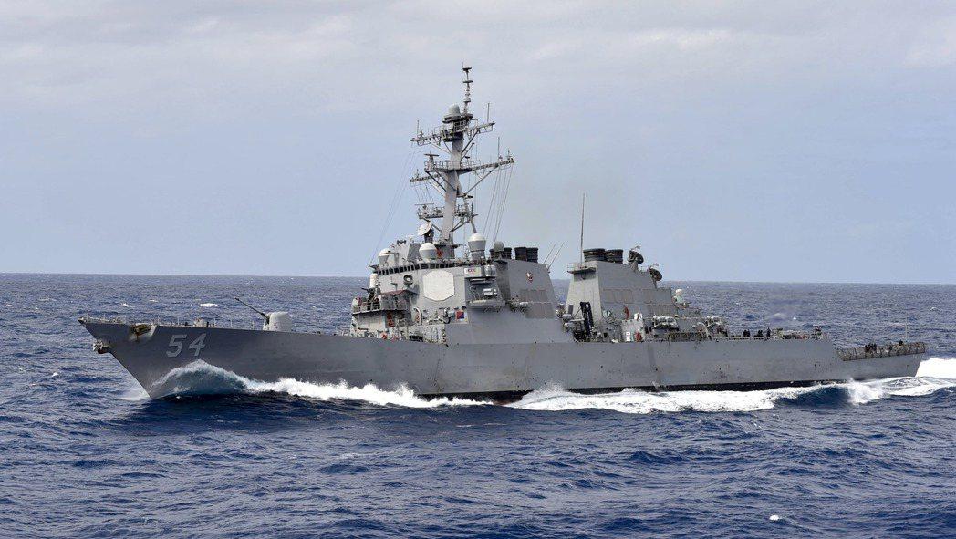 勃克級飛彈驅逐艦「柯蒂斯韋伯」號。圖╱美國海軍檔案照