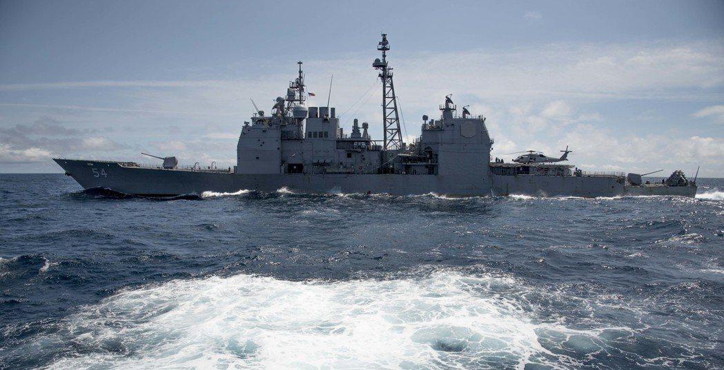神盾巡洋艦安堤坦號,一年來三度通過台灣海峽。圖╱美國海軍檔案照