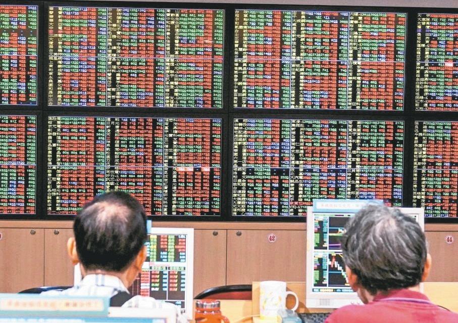 外資接連買超,挹注大量銀彈推升指數。「外資連買股」成為近來市場投資人追捧的新亮點...
