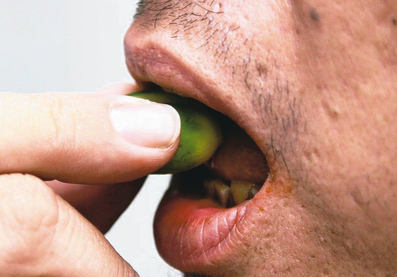 2013年十大癌症死因統計發現,口腔癌高居男性腫瘤死亡原因第4位。 圖╱聯合報系...