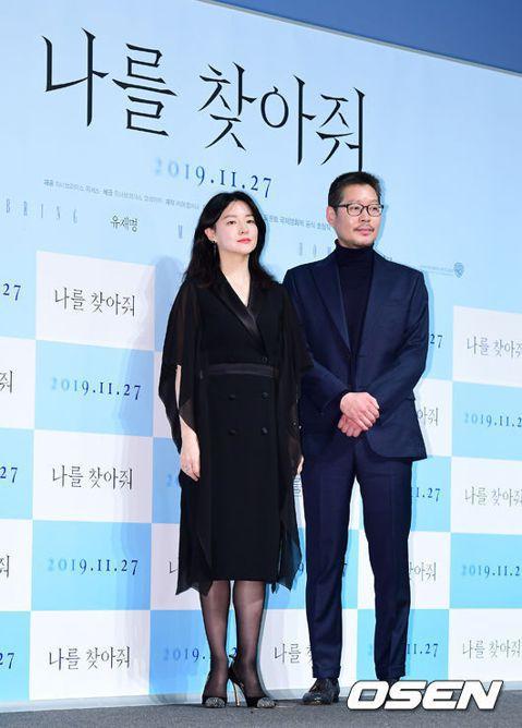 以韓劇「大長今」躍升為韓流明星的李英愛今天出席韓國電影「來找我吧」記者會,這也是她睽違14年後重返大銀幕又一力作,她在新片中飾演尋找失蹤兒子下落的堅毅母親。李英愛在記者會上表示:「我已為人母,所以可...