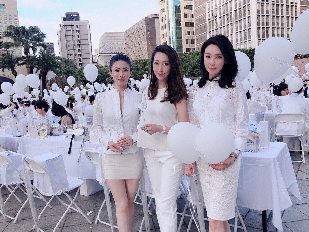 「白色野餐」聚會,成為當今國際最火紅的時尚野餐社交活動。蘇璽文/攝影