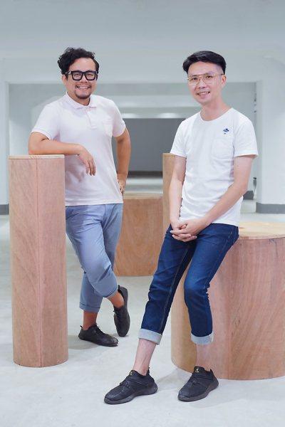 本月《倡議+》客座總編雜學校創辦人蘇仰志(左)、阿雜社會事總召葉文宏(右)。...