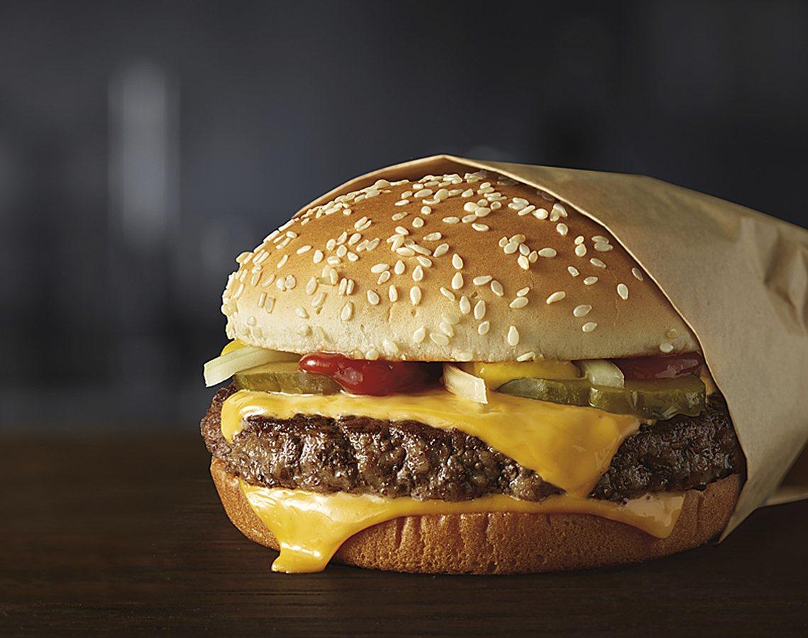 2015年開始,伊斯特布魯克統領的麥當勞展開了一系列的「科技轉型」。種種策略讓麥...