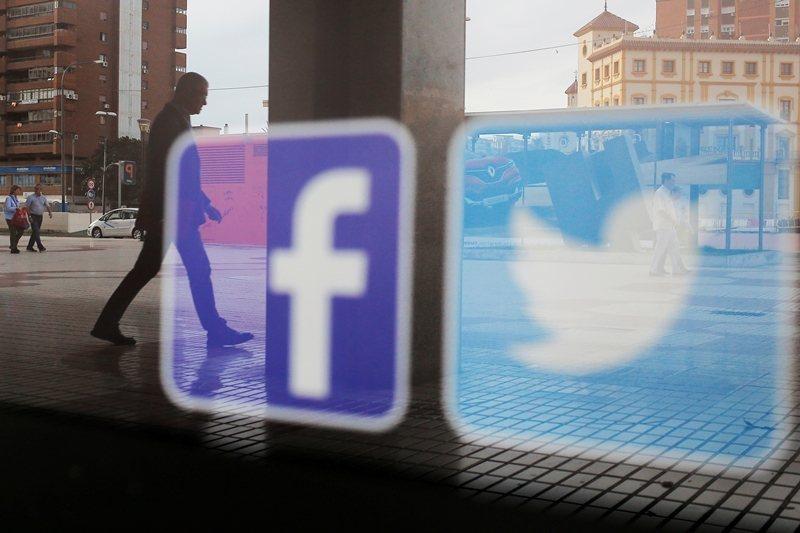 日前,推特宣布決定將在11月22日全面禁止政治廣告;臉書則宣布不審查政治廣告。 圖/路透社