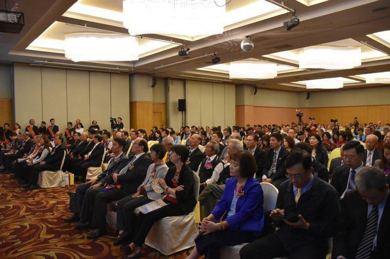 台灣更生保護會成立74周年,今天在花蓮表揚長期協助推動各項更生保護工作團體及個人。記者王思慧/攝影