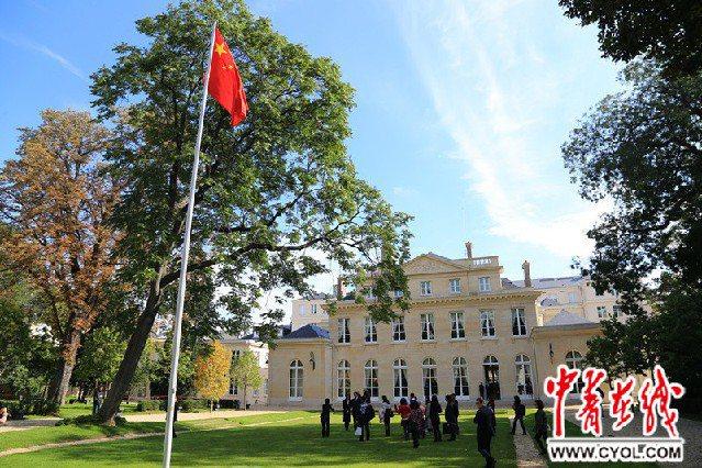 圖為中國大陸駐法使館。取自新浪網