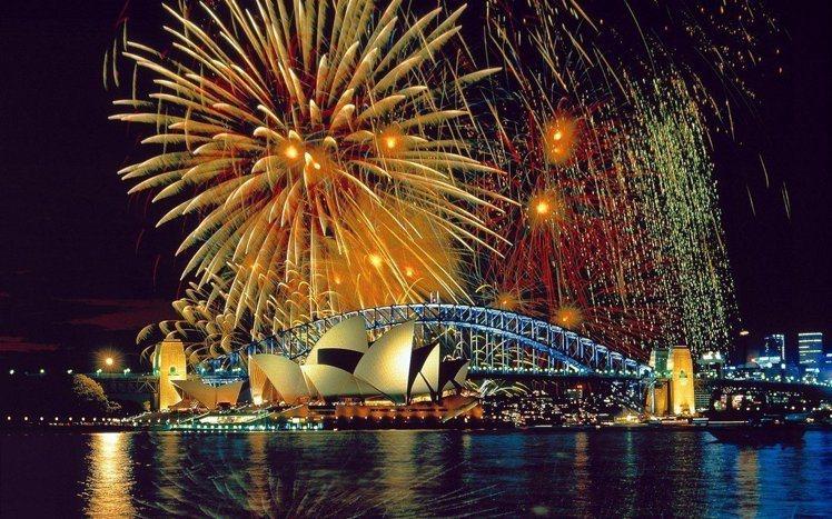 澳洲雪梨盛大的「跨年煙火」。圖/miquitos via Flickr