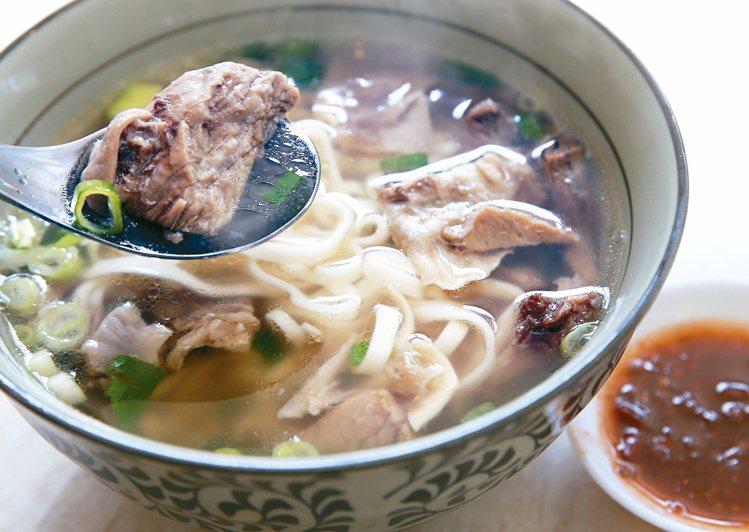 北投金春發牛肉麵清燉湯頭很鮮美。圖/聯合報系資料照 林俊良攝影