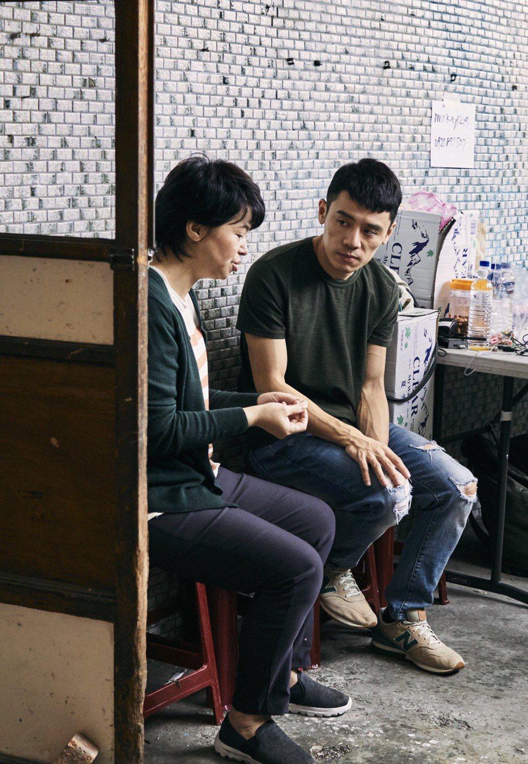 邱志宇(右)和何子華2度合作。圖/海鵬提供