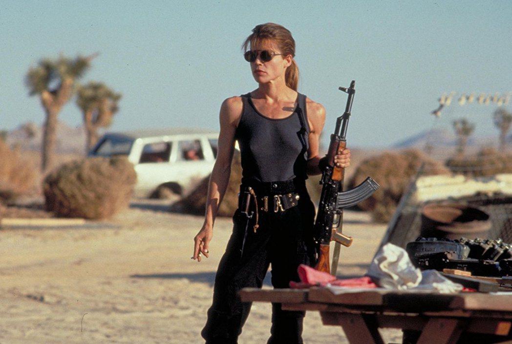 琳達漢彌頓在「魔鬼終結者2」中練出結實體魄。圖/翻攝自IMDb