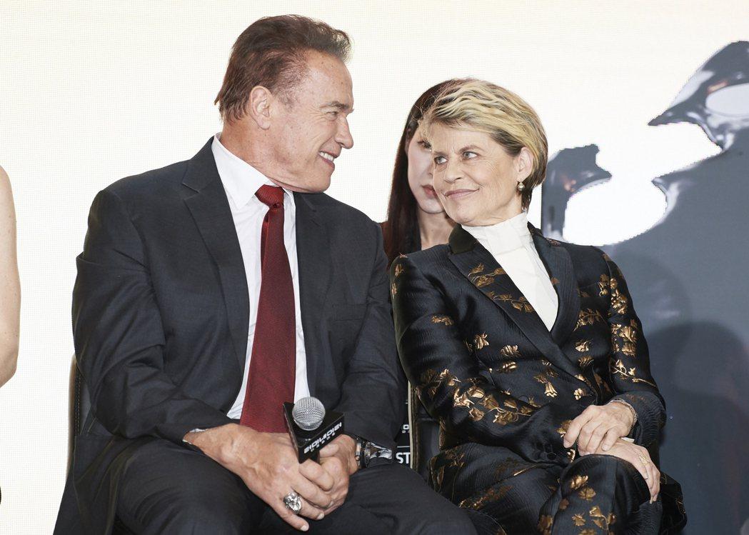 阿諾史瓦辛格與琳達漢彌頓因為「魔鬼終結者」系列結緣,有著35年的深厚友誼。圖/福...