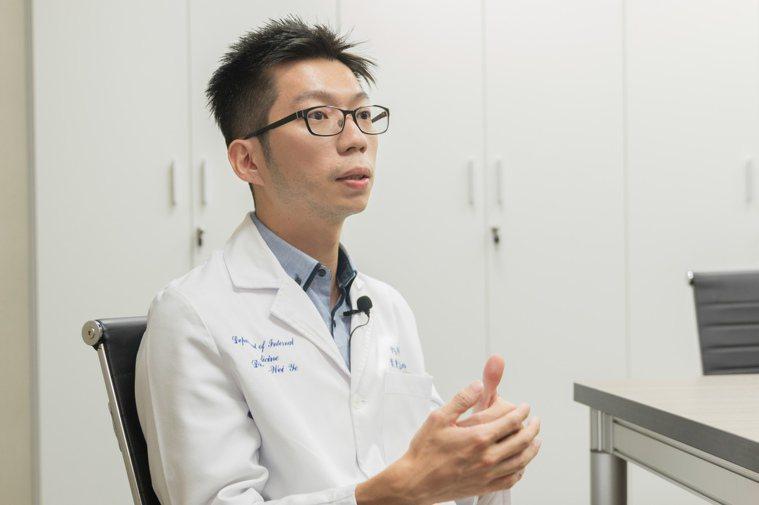 台安醫院胃腸肝膽科主治醫師葉秉威提醒,七成胃癌患者與感染幽門桿菌有關,四十歲以上...